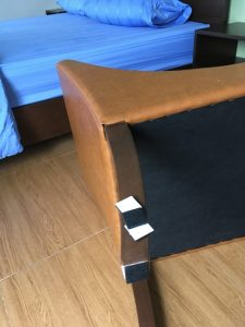 I attach it to the chair in the vacant room. It is for the new residents to live quietly.